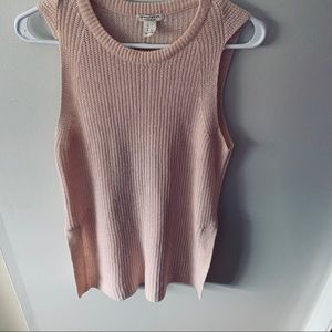Knitted sleeveless street wear  top